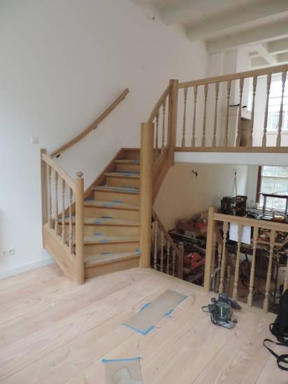 Kwart met steek trap timmer en trappenbedrijf van kooten for 2 kwart trap